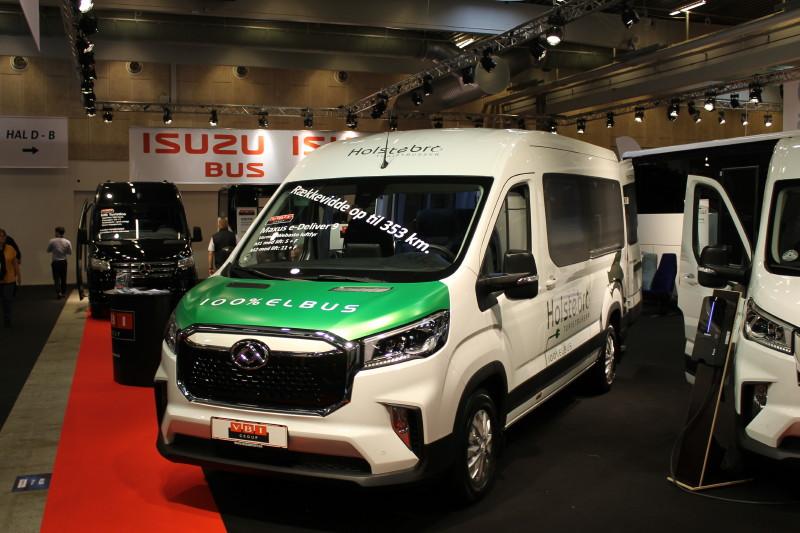 Næste bølge af bus-elektrificeringer bliver de små liftbusser. VBI har opbygget og leveret denne elektriske Maxus eDeliver 9 til Holstebro Turistbusser.