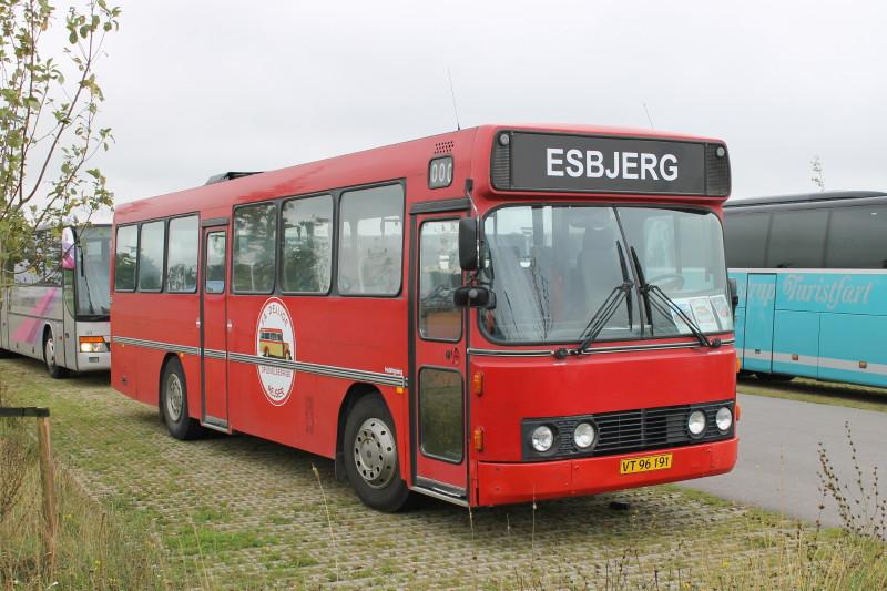 Også på parkeringspladserne var der spændende busser at se. Bl.a. denne DAB årgang 1988 ejet af et af vore medlemmer.
